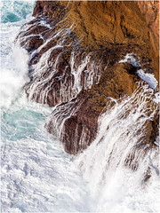 Looking down from the most south-western point of Europe (Cabo Sao Vincente / Cape Saint Vincent) (Luc V. de Zeeuw) Tags: cabosaovincente capesaintvincent cliff ocean rock splash water wave sagres algarve portugal