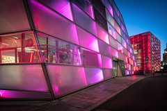 Ars Electronica Center (Ars Electronica) Tags: led facade ledfacade colors pink violet rosa violett lila rot red blau blue pavement gehsteig bluehour blauestunde sky himmel bluesky blauerhimmel arselectronicacenter arselectronica linz austria 2019 museum museumofthefuture