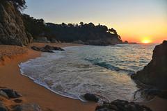 sa boadella (puzzlero) Tags: playa saboadella costabrava costa brava puzzlero girona catalunya platja beach sunrise amanecer