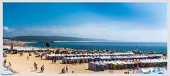 Praia do Porto de Mos (ericbaygon) Tags: plage beach sable sand lagos portugal nikon d750 océan eau mer bleu blue été summer parasol umbrella