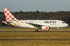EC-MUT (PlanePixNase) Tags: hannover eddv haj aircraft airport planespotting langenhagen volotea airbus a319 319 ecmut