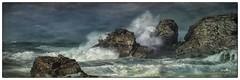 L'assaut.... (Françoise kERVAREC) Tags: bretagne iroise mer tempête roches vagues écume