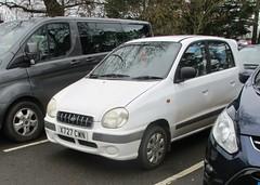 2000 Hyundai Amica (occama) Tags: x727cwn 2000 hyundai amica old car cornwall uk white korean small economy