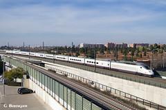 Duplex en Valencia (ɢ. ʙᴇʀᴇɴɢᴜᴇʀ [ ō-]) Tags: ave renfe valencia railway railroad ffcc 100012