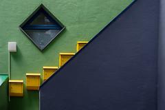 2018.07.22_025415 (LeSzal) Tags: complexity housingproject citylife facade housingdevelopment lightingequipment balcony house buildingexterior modernfacade gelb blau grün green blue bremen germany