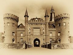 DSC_1192 série 2 (C&C52) Tags: paysage landscape château monument patrimoineculturel artnumérique