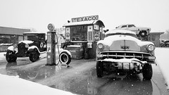 Snow & gas - Belvidere Illinois Texaco Station (Laurence's Pictures) Tags: illinois belvidere oil petroleum petrol station gas