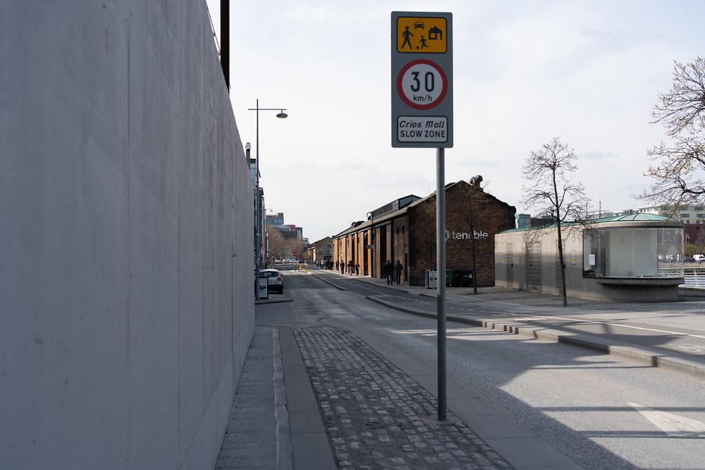 A WALK ALONG SIR JOHN ROGERSON'S QUAY [DUBLIN DOCKLANDS]-151595