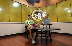 Daniels Coffee Shop (6 of 8) (Rodel Flordeliz) Tags: daniels danielscoffee coffeeshop coffeshop manila quezoncity danielrazon coffeetablebook coffeeinqc