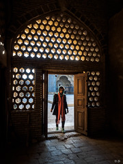 LR-070438 (Et-Lin) Tags: iran light shadow travel urban architecture street