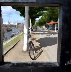 hole in the wall (BeMo52) Tags: art bäume bike cannonsx220hs fahrrad hafen hole mauer schiffe wall way weg hss