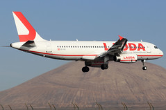 OE-IHD_01 (GH@BHD) Tags: oeihd airbus a320 a320200 a320232 lauda laudamotion ldm ace gcrr arrecifeairport arrecife lanzarote aircraft aviation airliner
