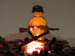 Finnish Soldier ({Achillea}) Tags: finnish soviet ww2 brickarms campfire lego lights
