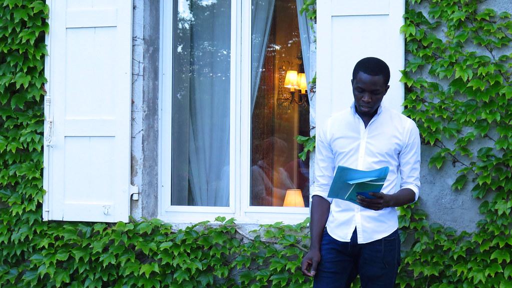 Résidences d'écrivain Un jeune auteur, des lecteurs de tous horizons, un territoire, un projet d'écriture et d'échanges : ce sont les résidences d'écrivain de la Fondation Facim, un programme de développement durable de la littérature en pays de Savoie.
