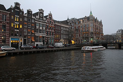 Amsterdam2014_070 (schulzharri) Tags: holland niederlande netherlands europa europe travel reise water gracht amsterdam wasser city stadt boot fluss gebäude himmel fenster architektur