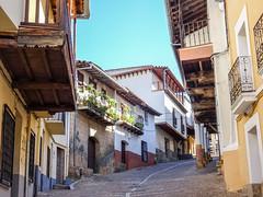 calle Real Guadalupe Caceres 01 (Rafael Gomez - http://micamara.es) Tags: esp españa extremadura guadalupe calle real caceres
