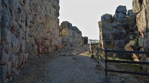 0204 Tirinto accesso e mura ciclopiche