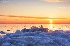Ice and Sun (Simone Splinter Fotografie) Tags: winter nature landscape landschaft capture ice eis frozen sunset sunsetlight canon balticsea balticcoast ostsee ruegenisland