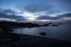 Baltic night (Eklandet) Tags: foto natur nature photo sverige sweden samsung sky scandinavia nordic countries seascape waterscape nightscape night landscape balticsea sea sunset sunrise coast cliffs natthimmel