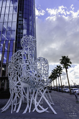 A sculpture in downtown San Diego, CA (ttchao) Tags: sony a7r3 a7riii ilce7rm3 24105mm fe24105mmf4goss sandiego california sculpture