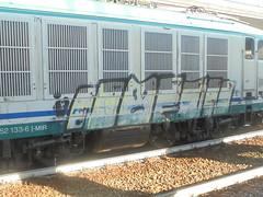 859 (en-ri) Tags: nofun giallo nero faccina grin broncio train torino graffiti writing locomotiva locomotore locomotrice