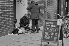 energise (plw1053) Tags: plw1053 paullgwells tenfiftythreeimagescom tenfiftythreeimages documentary street londonstreets candid blackandwhite bw monochrome noiretblanc