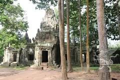 Angkor_Phimeanakas_2014_15