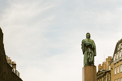 High Up Statue Portra 400 (separatesunsets) Tags: 35mm canonae1 edinburgh portra400 scotland uk colournegative film