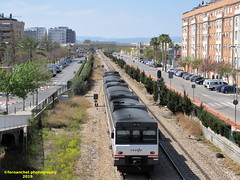 Tren de media distancia de Renfe (Regional Madrid-Valencia) a su paso por ALDAIA (Valencia) (fernanchel) Tags: spain aldaia поезд bahnhöfe railway station estacion ferrocarril tren treno train md mediadistancia regional c3 s592