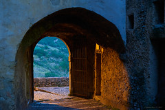 Arch, Civita d'Antino, Abruzzo, Central Italy (Claudio_R_1973) Tags: arch architecture detail village old medieval landscape abruzzo marsica centralitaly 50mm street evening costruction building wall