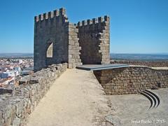 Castelo de Castelo Branco - Torre do Palácio dos Alcaides 02 (Sofia Barão) Tags: portugal castelo branco beira baixa castle