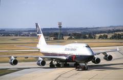 British Airways 747 'G-BNLS' - City of Chester' (Longreach - Jonathan McDonnell) Tags: britishairways boeing 747 747400 scan scanfromaslide 1990s melbourne 620024 1991 01121991 gbnls melbourneairport melbourne–tullamarine ymml cityofchester