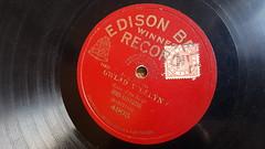 Gwlad y Delyn - John Lovering (Jacob Whittaker) Tags: shellac 78rpm gramophone record label vintage cymraeg