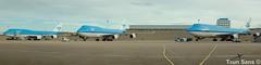 KLM_747_3X_001 (klm737900) Tags: klm royal dutch airlines boeing 747400 queen sky apron parked amsterdam schiphol eham netherlands holland