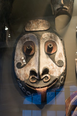 New Guinea men's house mask (quinet) Tags: 2017 amsterdam antik netherlands schnitzerei tropenmuseum ancien antique carving museum musée sculpture