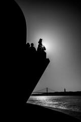 Padräo des descobrimentos (callifra7) Tags: canoneos5dmarkiv ef24105mmf4lisusm lisboa lisbon portugal noiretblanc monument soleil contrejour