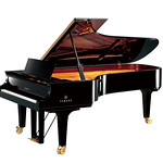 コンサートグランドピアノの写真