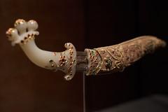 magnificent old knife (ivoräber) Tags: magnificent old knife qatar museum doha mia sony systemkamera voigtlander