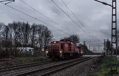 10_2019_01_15_Gelsenkirchen_Bismarck_3294_792_mit_3335_124_Lz ➡️ Herne_Abzw_Crange (ruhrpott.sprinter) Tags: ruhrpott sprinter deutschland germany allmangne nrw ruhrgebiet gelsenkirchen lokomotive locomotives eisenbahn railroad rail zug train reisezug passenger güter cargo freight fret bismarck bottropsüd db hctor rpool sbbc 247 0632 1266 3294 3335 4482 6151 6185 6241 ecr rb42 hochspannungsmast kraftwerk herne dorsten dortmund logo natur ouftdoor graffiti