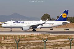 Lufthansa A320-214 D-AIUR (José M. Deza) Tags: 20190213 a320214 airbus bcn daiur elprat lebl lufthansa planespotting spotter aircraft