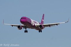TF-DAD Airbus A321 WOW air Barcelona airport LEBL 15.03-18 (rjonsen) Tags: plane airplane aircraft aviation airliner flying sharklets