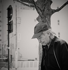 Old guy (Bill Morgan) Tags: fujifilm fuji xpro2 35mm f2 bw jpeg acros alienskin exposurex4