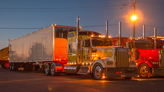 Kenworth W900 (NoVa Truck & Transport Photos) Tags: kenworth w900 lanita specialized mt aetna pa truck big rig 18 wheeler 2017 large car mag southern classic ta lexington va