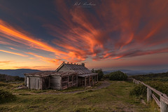 Mt Stirling sunset (Rob Reaburn Photography) Tags: craigshut mountstirling victorianhighcountry vhc sunset cirrusclouds colourful colorful clouds sky mountains hut scenery tourism themanfromsnowyriver