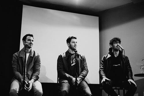 Jonas Brothers fan photo
