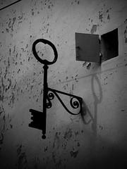 The Key / La Clef (CTfoto2013) Tags: key clef wall mur fenetre window maison house shadows ombre decrepit vieux old textures nb bn bw lumix panasonic gx7 mirrorlesscamera micro43 provence paca valensole alpesdehautesprovence monochrome retro vintage
