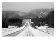 Approaching Johnson River (Robert Drozda) Tags: johnsonriver alaska alaskahighway mp1380 bridge warrentrussbridge fbxtopdx2018 bw alaskarangemountains drozda