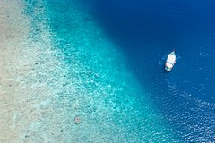 Birds eye view (icemanphotos) Tags: boat reef snorkel maldives lagoon sea amazing