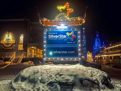 20181217_0013 (Bruce McPherson) Tags: brucemcphersonphotography holidaylights christmaslights snow winterscene silverstarmountainresort vernon winter silverstar skiholiday prechristmasgetaway bc canada