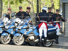"bootsservice 18 810125 (bootsservice) Tags: armée army militaire militaires military uniforme uniformes uniform uniforms bottes boots ""riding boots"" weston moto motos motorcycle motorcycles bmw motard motards biker motorbike gants gloves ""gendarmerie nationale"" gendarme gendarmes ""garde républicaine"" parade défilé ""14 juillet"" ""bastilleday"" ""champselysées"" paris"